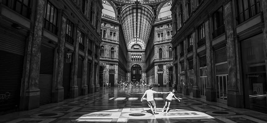 Engagement photographer in Italy Napoli