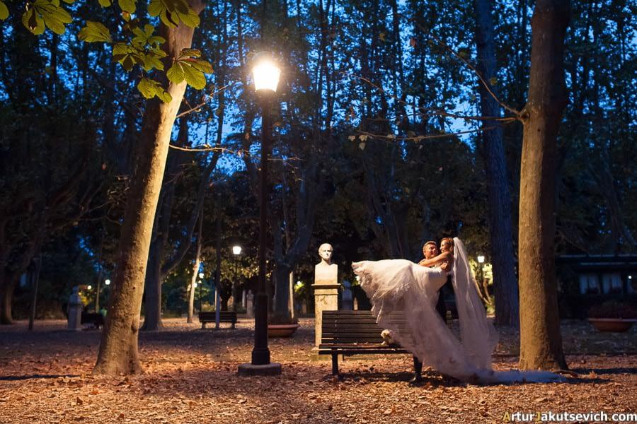 Villa Borghese at night