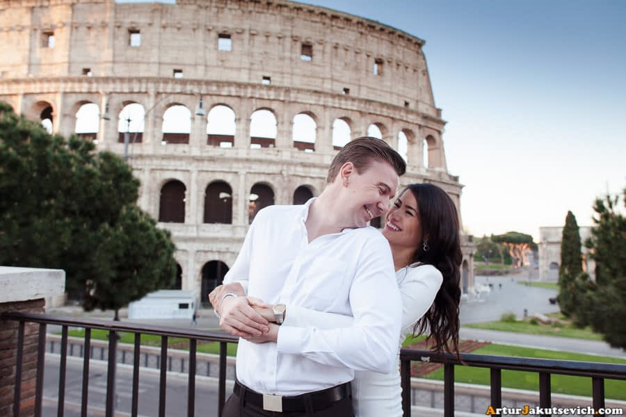 Engagement shooting in Rome Coliseum