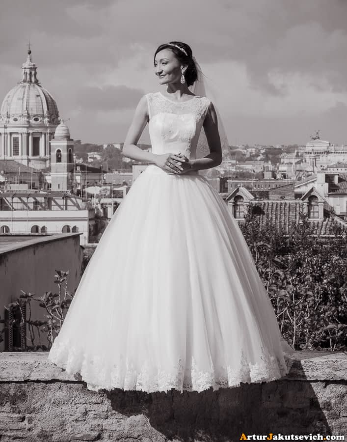 The bride in Rome
